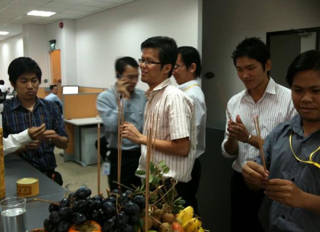 Как мы строили сотовую связь в Камбодже: часть 2, про людей