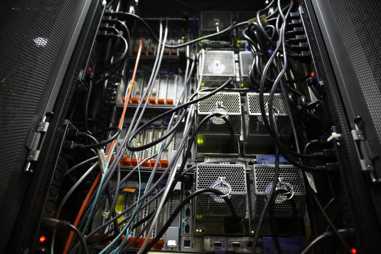 Как работает инженерная служба КРОК — и что происходит, если в 3 ночи где то далеко ломается кластер