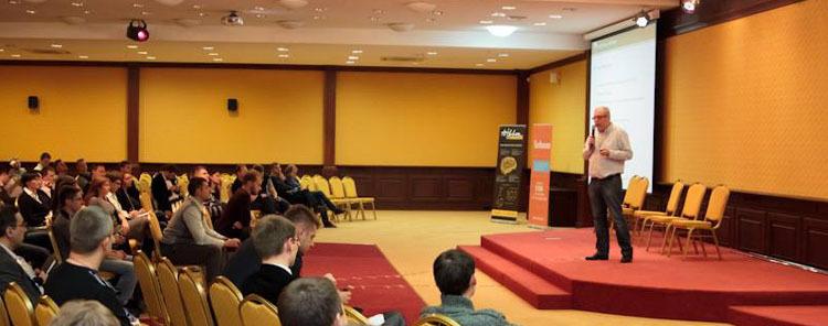 Организация отраслевой IT конференции: шишки и апельсины
